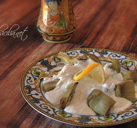 carciofi con salsa di mandorle
